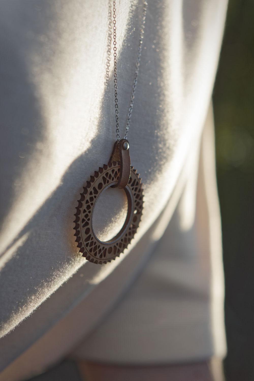 bijoux en bois collier sautoir femme fabriqué en france