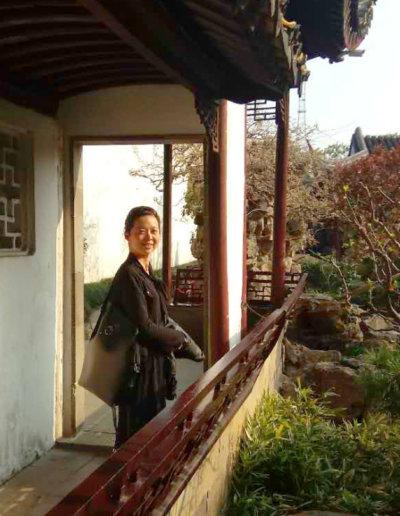 Chen-Yu et son Messenger noir et Bronze dans le jardin des lettres à Suzhou en Chine