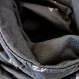 Echarpe noire en laine mérinos avec motifs oiseaux Lady Harberton