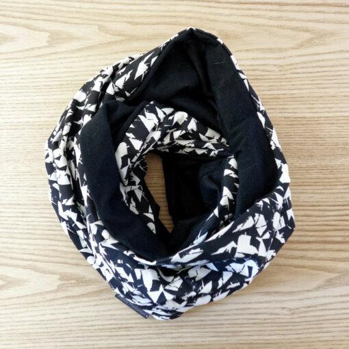 Echarpe noire et blanche en laine mérinos Lady Harberton