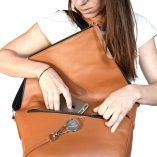 Le sac à main en cuir camel Le Messenger Lady Harberton
