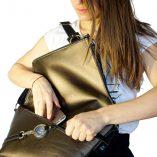 Le sac à main en cuir noir et bronze le messenger Lady Harberton