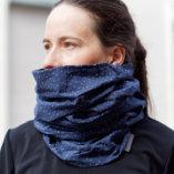 echarpe snood laine merinos bleue homme Lady Harberton portée femme