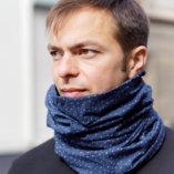 echarpe snood laine merinos bleue homme Lady Harberton porté homme