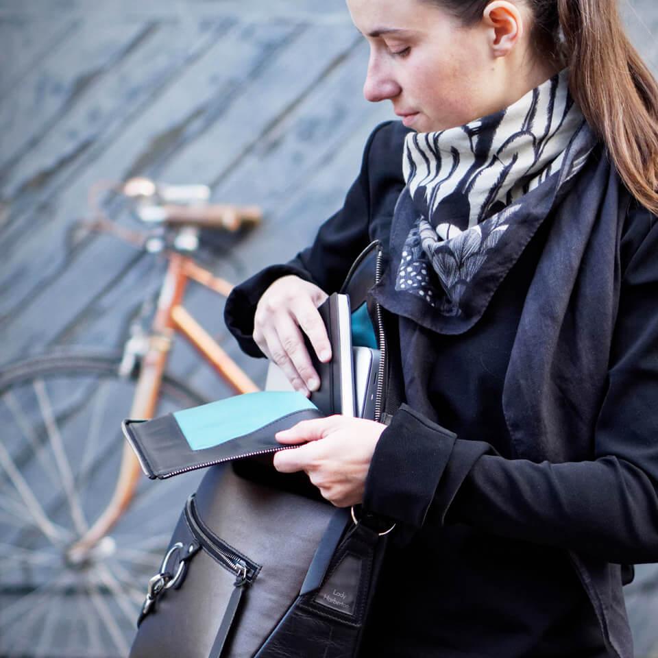 sac à main pour ordinateur en cuir noir et bronze Lady Harberton
