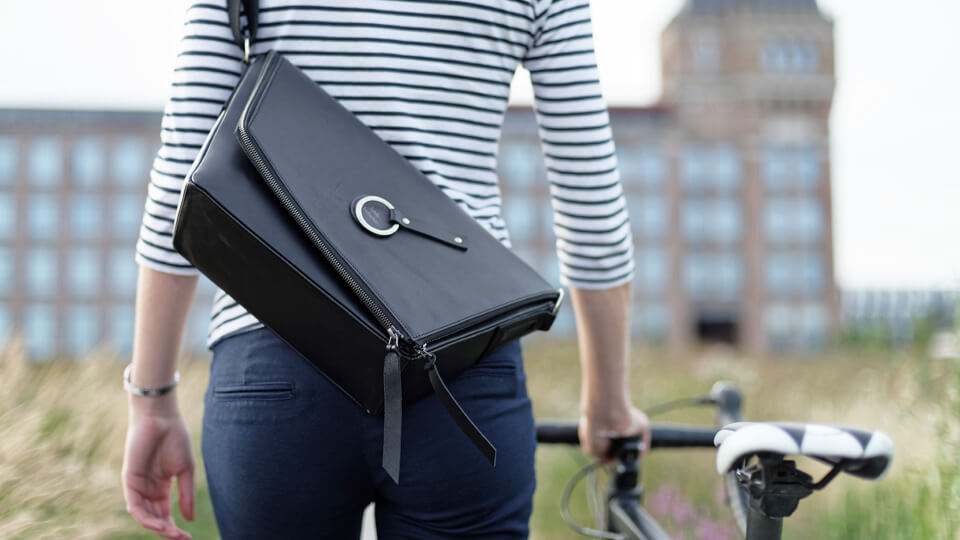 full-grain leather handbag for ladies on bike Harberton