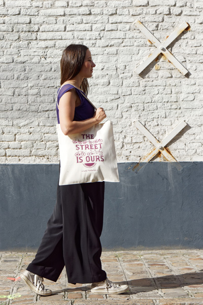women beige cotton tote bag with burgundy silkscreen printing Lady Harberton