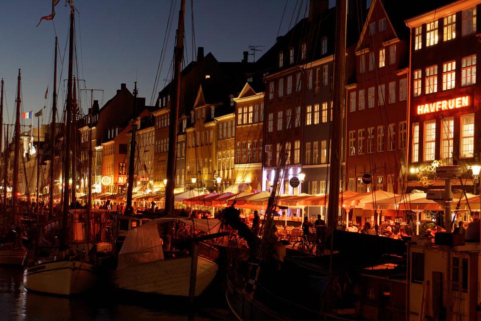hygge danois nyhavn nuit copenhague lady harberton