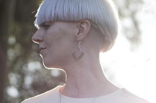 cadeau cycliste femme boucles d'oreilles en bois Lady Harberton x bewood