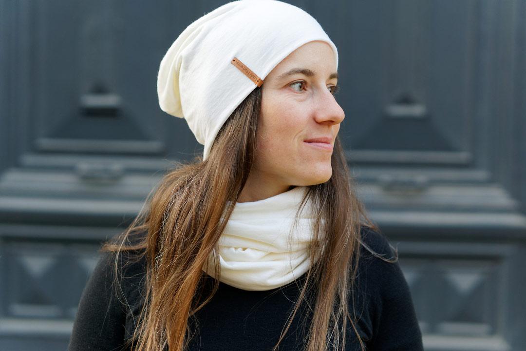Bonnet blanc en laine mérinos pour femme cycliste lady Harberton