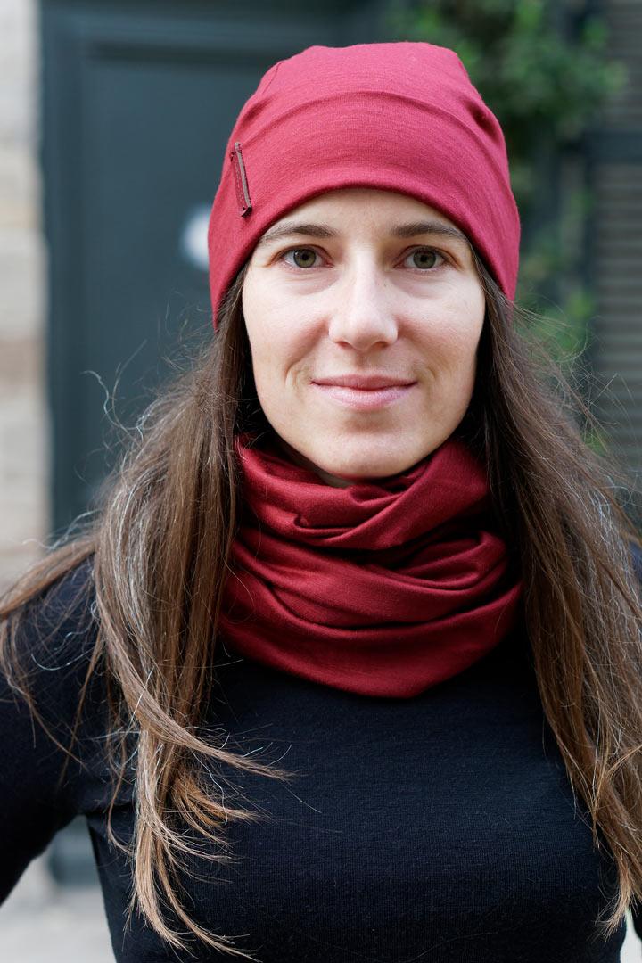 bonnet rouge bordeaux en laine mérinos pour femme lady harberton
