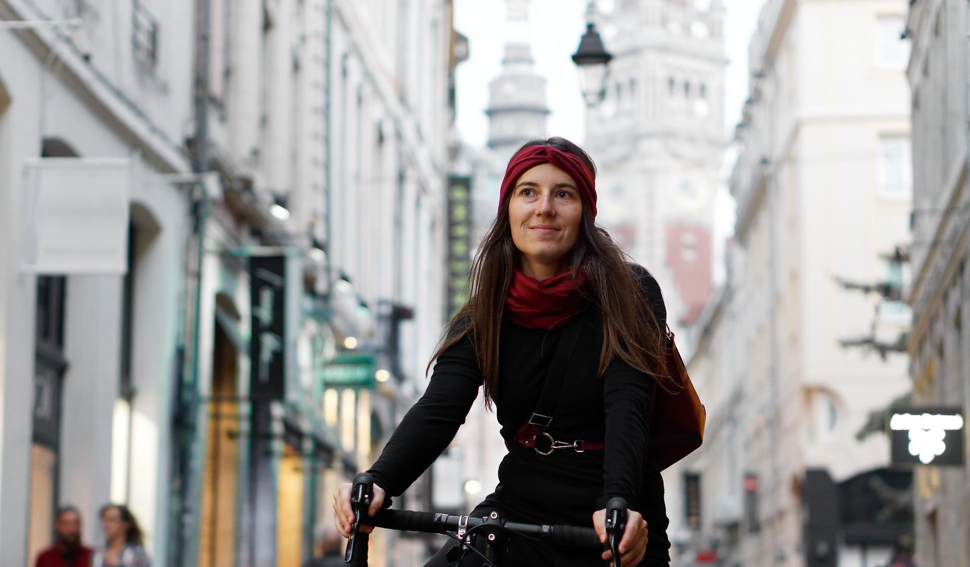 écharpe snood en laine mérinos pour cyclistes urbains Lady Harberton multiple motifs