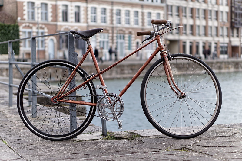 se déplacer à vélo en ville Lady Harberton vélo Roold vintage