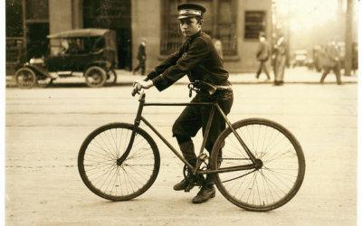 Le coursier à vélo, un mythe urbain : de ses origines américaines au job étudiant européen