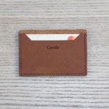 porte-carte-cuir-camel-personnalisation-Camille-lady-harberton-dessus-1-1080px