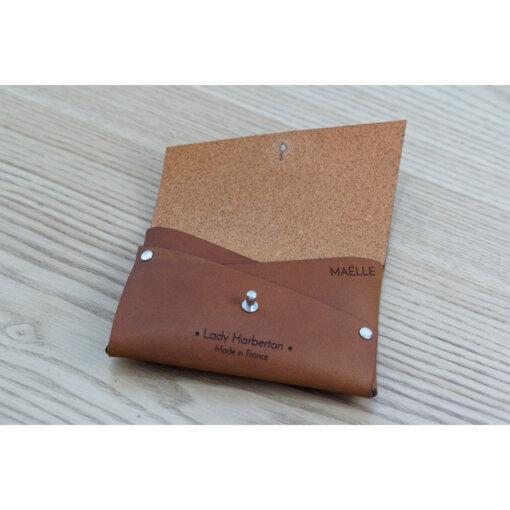porte-monnaie-carte-cuir-personnnalise-lady-harberton-dessus-1080px