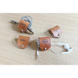range écouteurs en cuir personnalisé made in france lady harberton