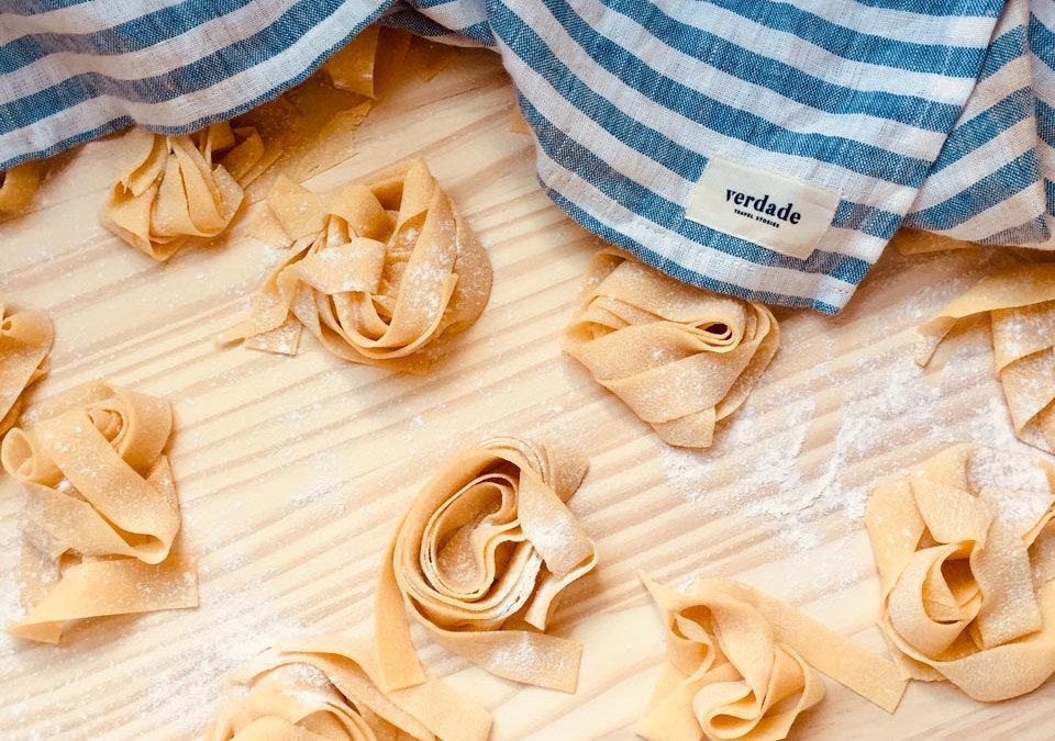 Comment se préparer une bonne assiette de pasta maison (sans machine) pour le retour de vos futures sorties à vélo ou pour se faire plaisir en étant confiné ?