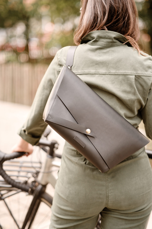 sac à main vélo messenger sac de coursier en cuir fabriqué en France Lady Harberton